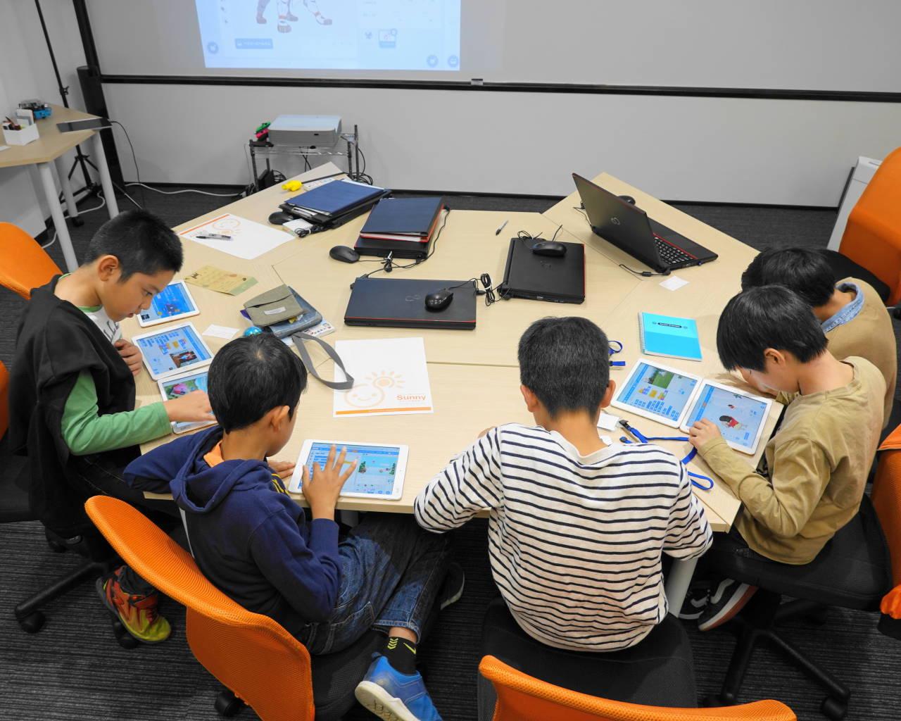 小学生のプログラミングクラス